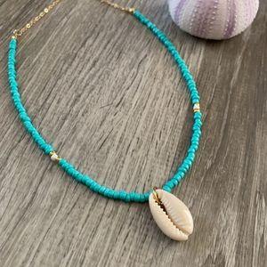 Jewelry - Cowrie Shell Beaded Necklace // Beach Jewelry